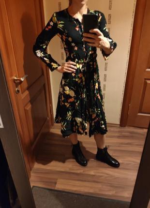 Zara платье, в идеальном состоянии