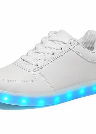 Светящиеся кроссовки 40 размера