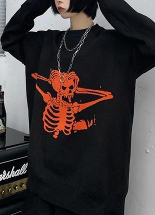 Черный оверсайз большой свитер с вышивкой рисунком скелет череп готический5 фото