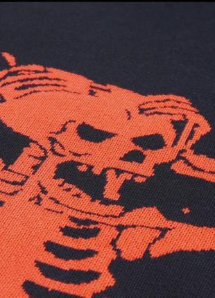 Черный оверсайз большой свитер с вышивкой рисунком скелет череп готический3 фото