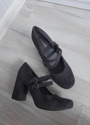 Туфли мэри джейн на устойчивом каблуке