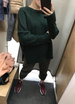 Плотный теплый свитер красивого темно-зеленого цвета