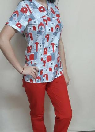 Женская медицинская блуза с мишками