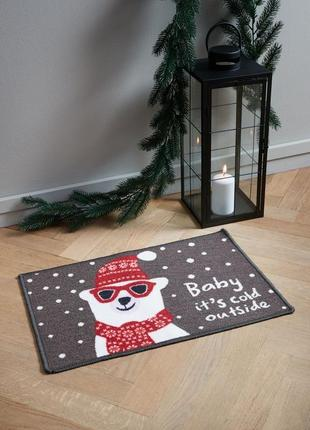 Коврик под двери , новогодний .