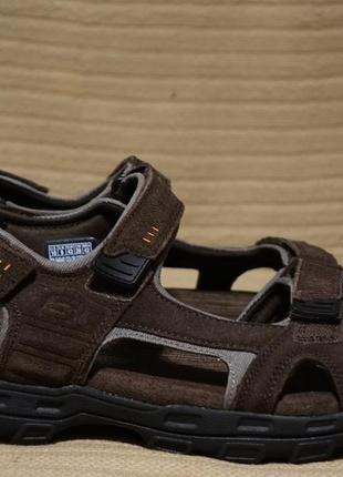 Комфортные коричневые замшевые сандалии skechers relaxed fit memory foam 360 43 р.