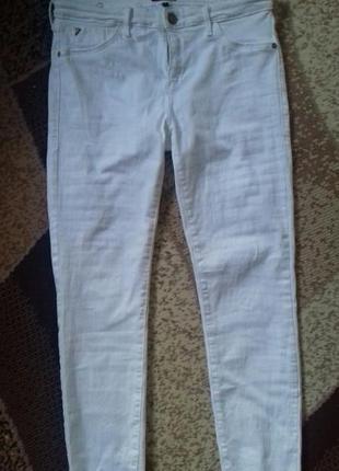 Супер белые джинсы скинни