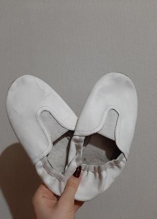 Белый балетки/чешки для танцев, гимнастики2 фото