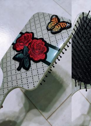 Большая красивая расческа розы