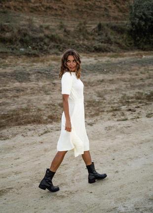 Шикарное вязаное осеннее платье миди длины