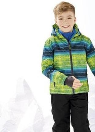 Якісна яскрава лижна куртка.  розмір 134/140