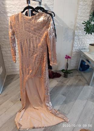 Платье в паетках золото, длинное сзади, короткое спереди
