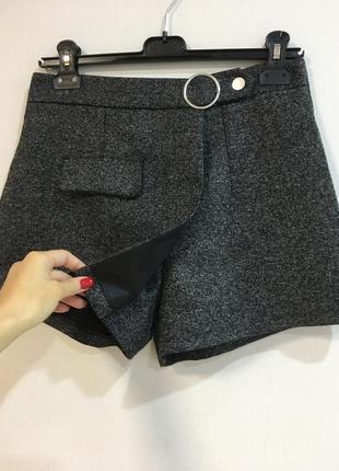 Стильные шорты юбка с плотной ткани