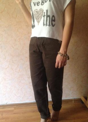 Джинсы бойфренды 32р., с высокой посадкой,anja b, germany, плотный коричневый джинс