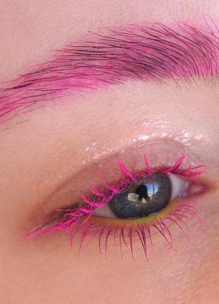 Розовая тушь для ресниц