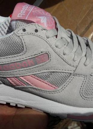 Шикарные кроссовки,натуральная замша,размер 36.