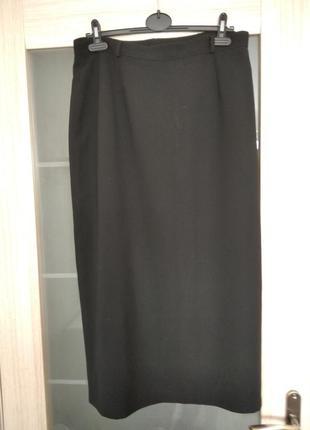 Классическая черная юбка миди