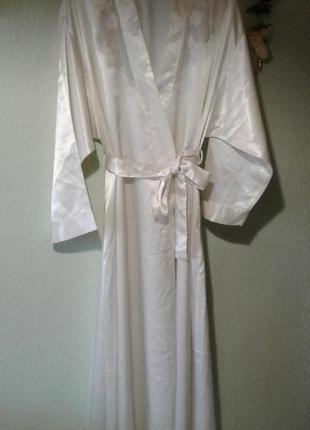 Шикарный атласный халат пиньюар