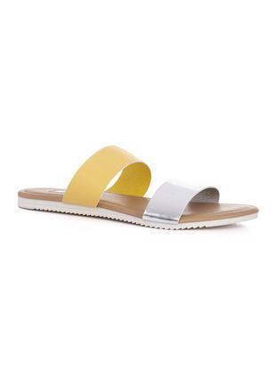 Модные сандалии