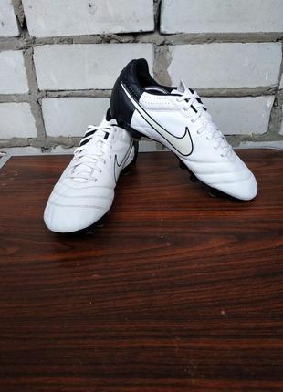 Футбольные бутсы  nike tiempo natural iv ltr fg, 509085-105,размер 43-й.