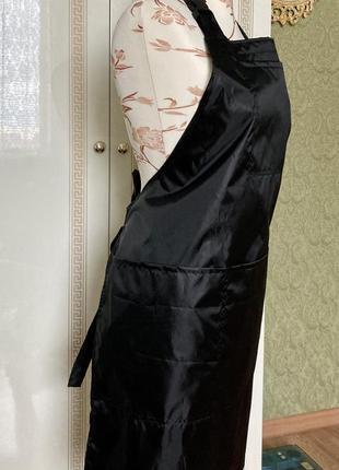 Фартук чёрный с застежкой с правой стороны