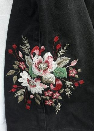 Джинсовая юбка с вышивкой на пуговицах uk 12, eur 40, 46p.