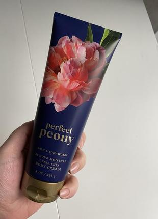 Парфюмированный лосьон крем для тела bath and body works perfect peony