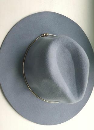 Шляпа-федора серо-голубого оттенка. 100 шерсть.