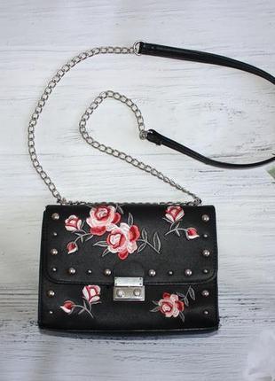 Скидка дня!вишукана сумочка з вишивкою stradivarius stradivarius