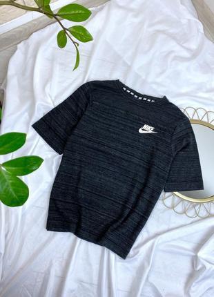 Серая чёрная футболка nike плотная