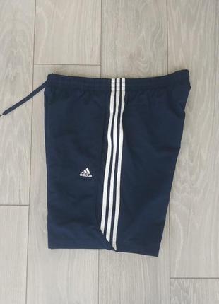 Шорти adidas climalite розмір m з білими полосами