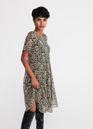 Платье шикарное reserved