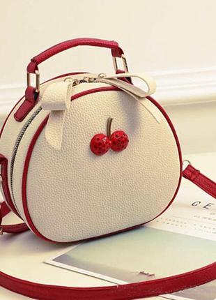 Уценка. скидка. изъян. сумочка для девочки. сумка для девушек через плечо.детская сумка