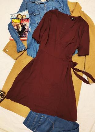 Платье бордо марсала с поясом с запахом миди new look