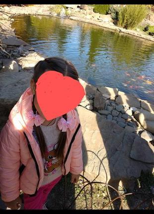 Продам демисезонную куртку для девочки, нежно-персикового цвета.