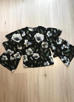 Новая шикарная блузка нова нарядна блуза сорочка в квітковий принт з рюшами plt