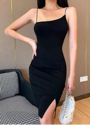 Шикарное платье очень красивое и женственное