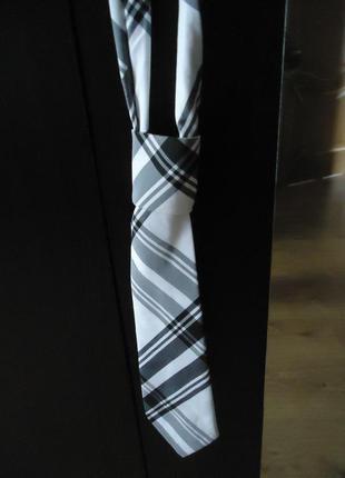 Женский галстук в классическую клетку