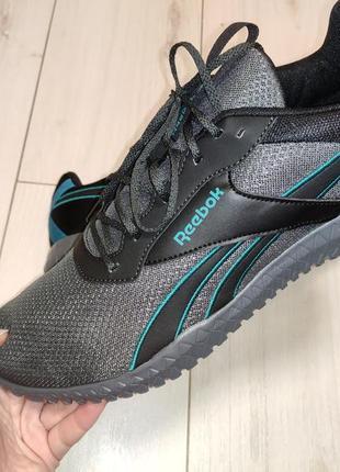 Кроссовки ( кросівки)