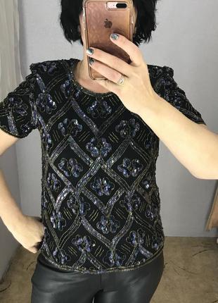 Красивая блуза в паетках