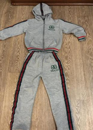 Спортивный костюм 4-6 л