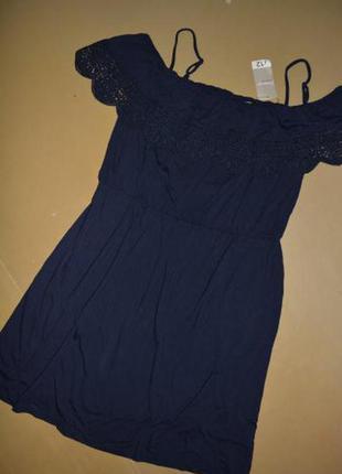 Красивое платье. размер 14( наш 42). george.