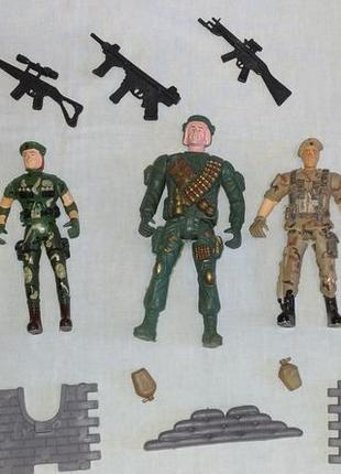 Набор солдатиков новый