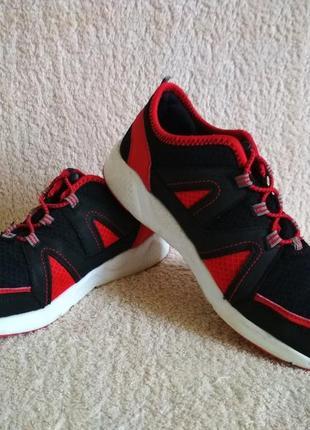 Кроссовки tu черные красные размер 36