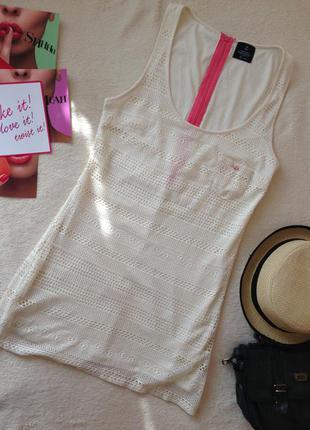 Ажурное платье с оригинальным розовым замком на спине и карманчиком