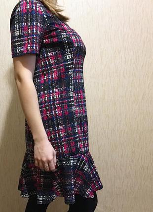 Плаття в рюші платье в рюши в клетку кэжуал