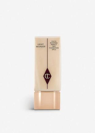 Тональний крем charlotte tilbury light wonder foundation