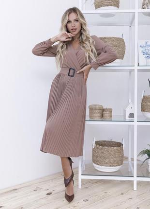Шикарное стильное кофейное платье с плиссировкой