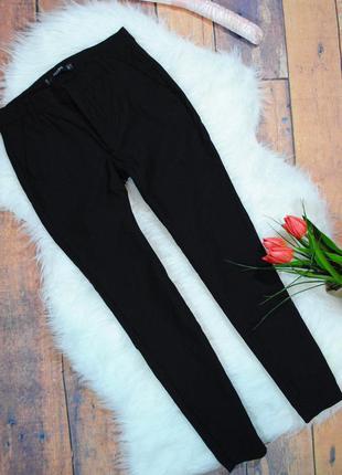 Укороченные стрейчевые брюки mango размер eur36 (s) черные штаны