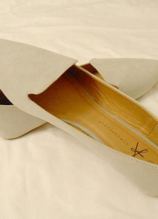 Легенькие тренд. туфли-лоферы 42 размер