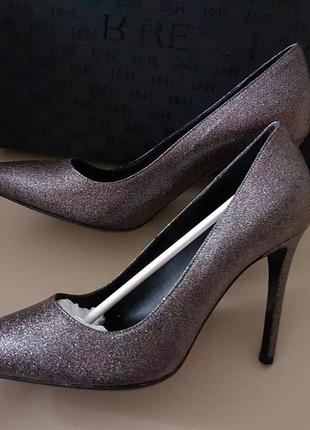 Дуже красиві туфлі човники renzi (італія ) розмір 37.